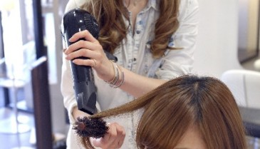 低温ドライヤーで髪の毛を痛めない方法とおすすめの乾かし方
